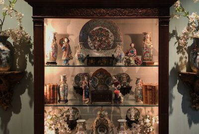 Lighting Curio Cabinets and Antique Furniture The Right Way